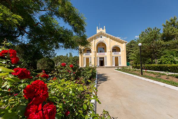 Парк-отель Романова,Внешний вид корпуса