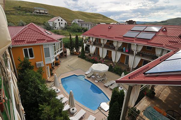 Отель Коктевилль,Территория отеля