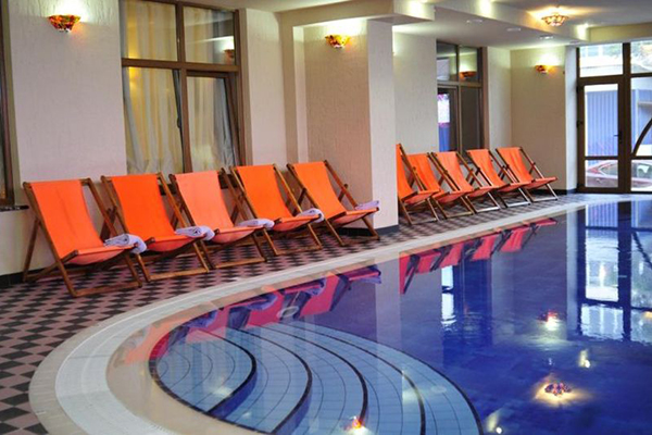 Гостиница Астарта,Крытый бассейн