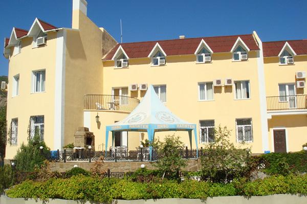 Отель Романтик,Фасад