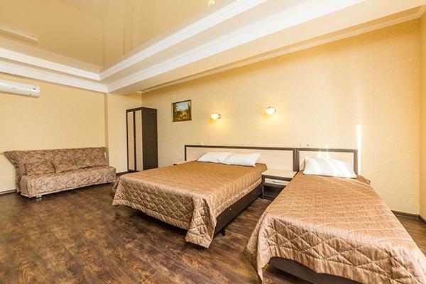 Отель Вилла Олива,Полулюкс 5-и местный