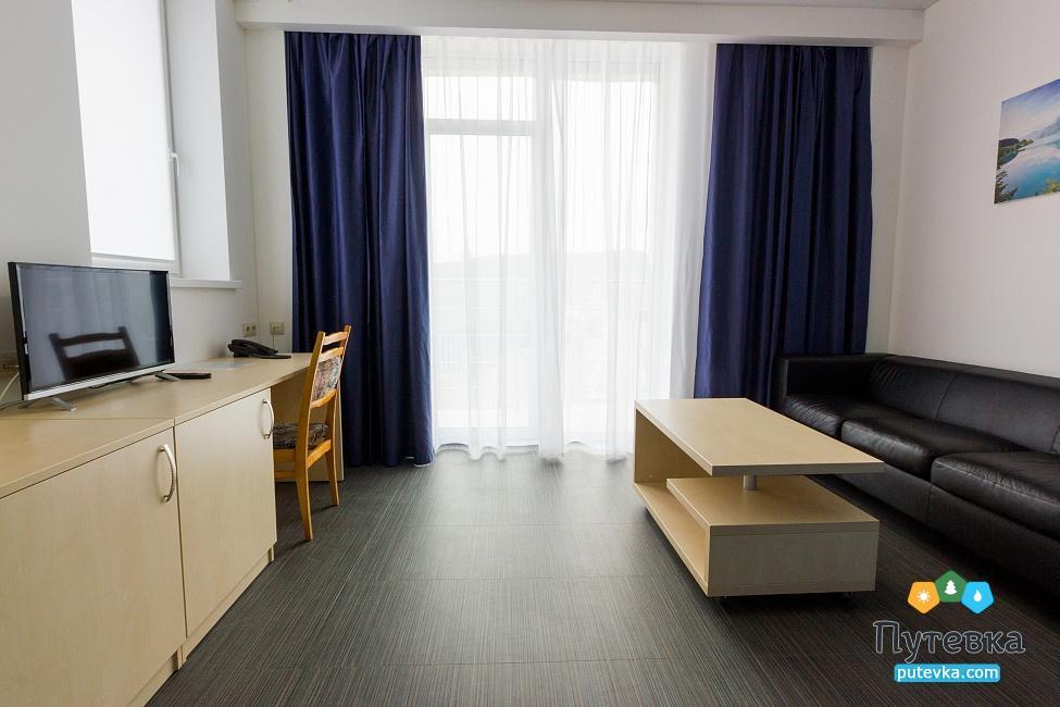 Фото номера Люкс 2-местный 2-комнатный (корпус №2), 2