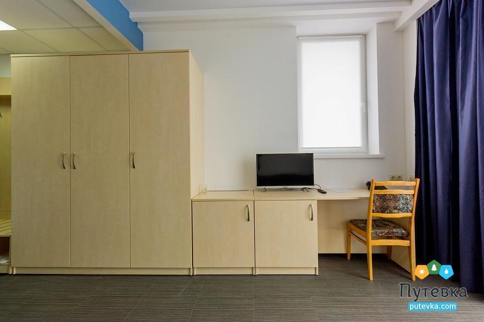 Фото номера Люкс 2-местный 2-комнатный (корпус №2), 3