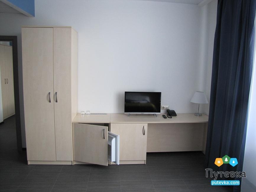 Фото номера Стандарт 4-местный 2-комнатный, 5