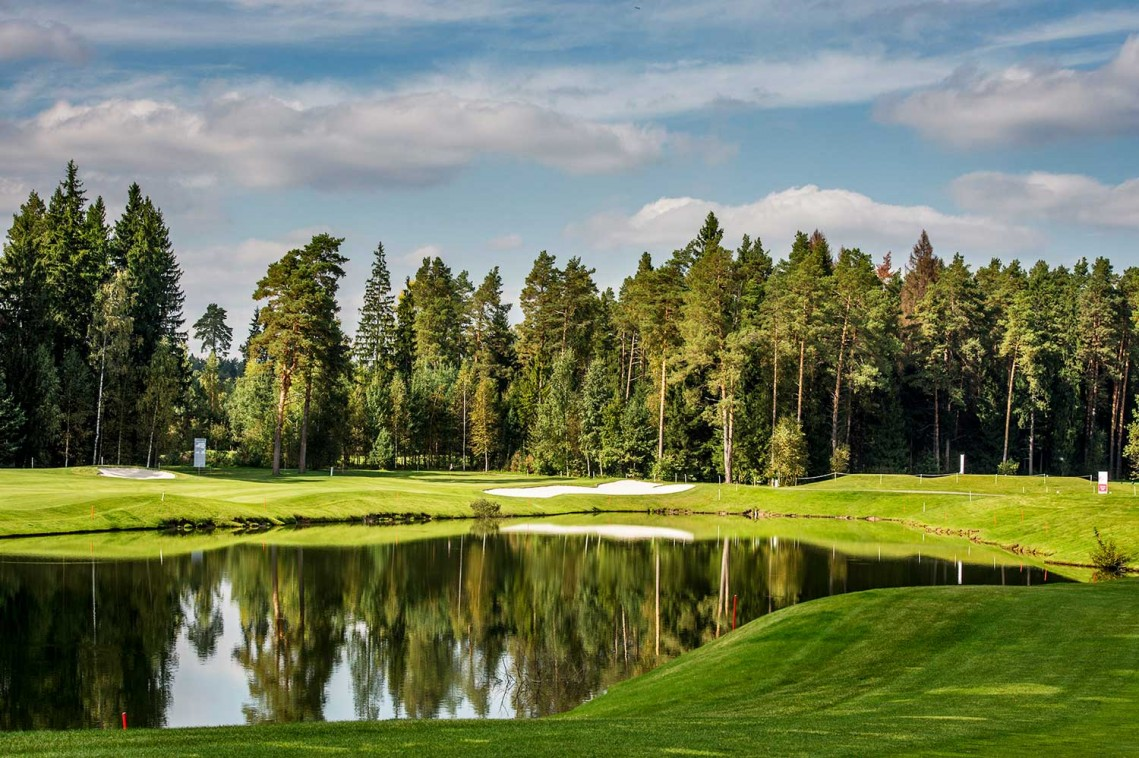 Гостиница Moscow country club,golf-course