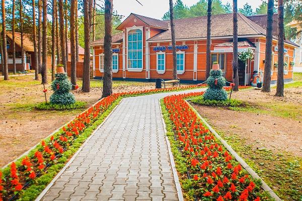 Гостиница Вотчина ГК ,Ледник Деда Мороза лето