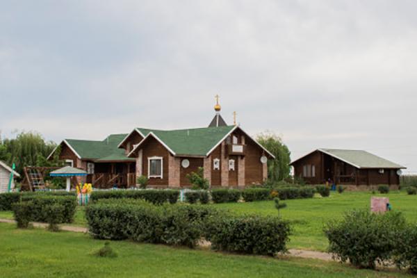 Турбаза Пеней Рыболовно-туристическая база,Территория