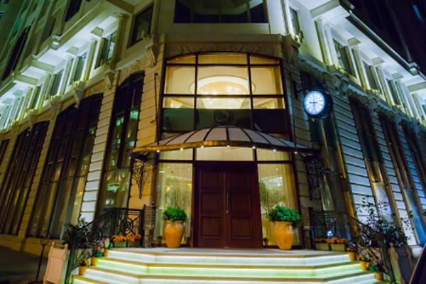 Отель Sapphire Inn,Фасад