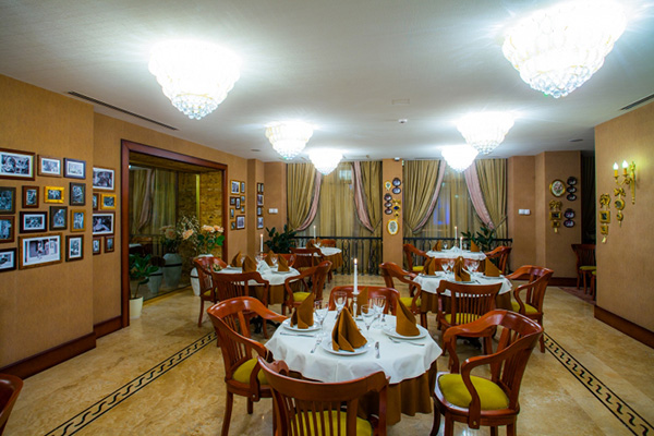 Отель Sapphire Inn,Ресторан