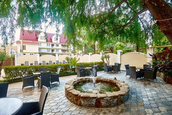 Мини-отель Черное море (Black Sea),Кафе во дворике