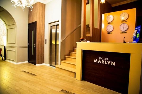 Отель Marlyn,Стойка регистрации
