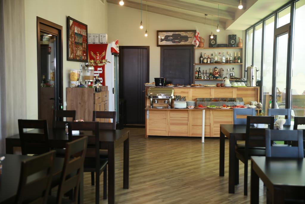 Отель Marlyn,кафе