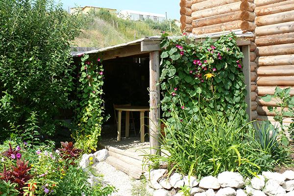 Гостевой дом Самоцветы,Территория