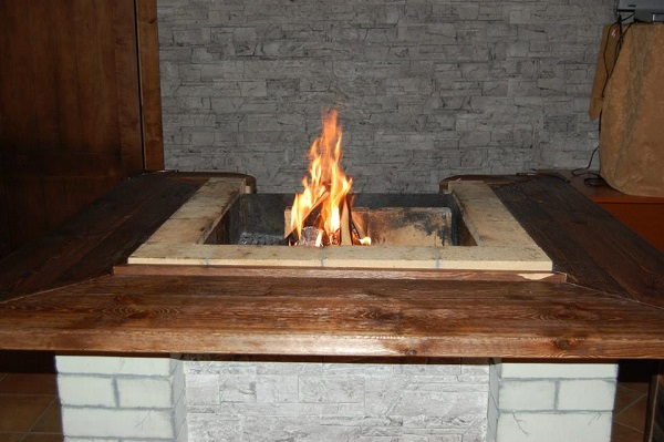 Гостиница Артыбаш,Открытый огонь в ресторане