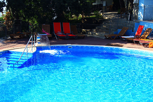 Гостиница Ласковый берег,Открытый бассейн