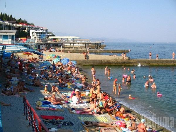 Пляж высокий сезон