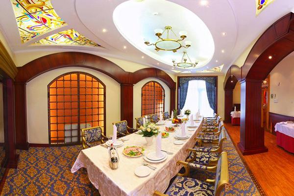 Гостиница Ринг Премьер Отель,Ресторан Собинов ВИП Большой