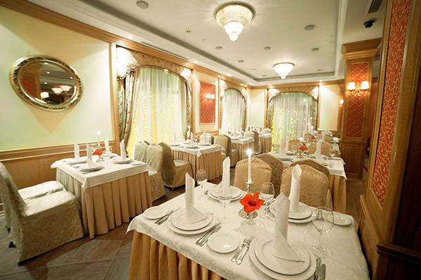 Гостиница Ринг Премьер Отель,Ресторан Собинов