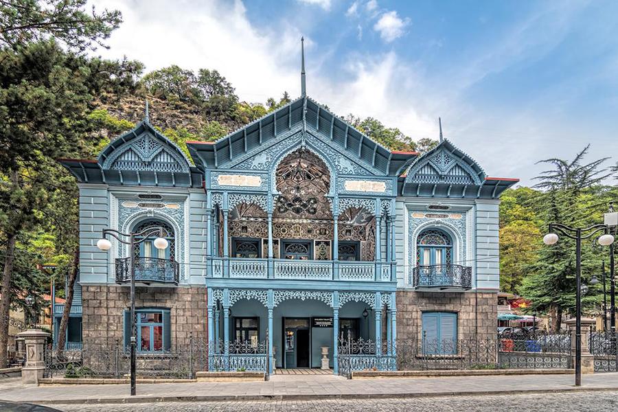 Отель Golden Tulip Borjomi,фасад