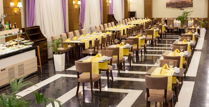 Отель Comfort Hotel,ресторан