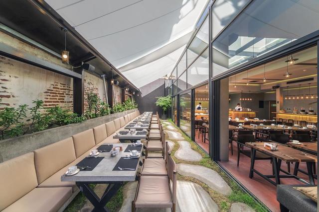 Отель IOTA HOTEL,ресторан
