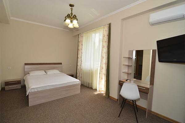 Отель Атлантик ,Студио 4-местный 2-комнатный горы (4)
