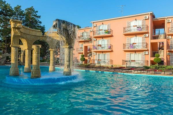 Отель ALEAN FAMILY RESORT & SPA RIVIERA (Алеан Фемели Резорт и СПА (бывш. Ривьера) ,Бассейн с водопадом