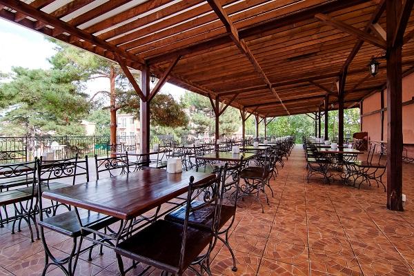 Веранда ресторана «Ривьера»