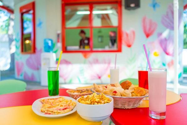 Детское кафе Сладкоежка