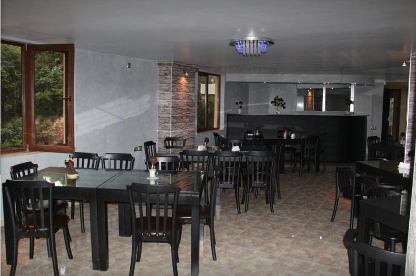 Отель Iberia Hotel,кафе
