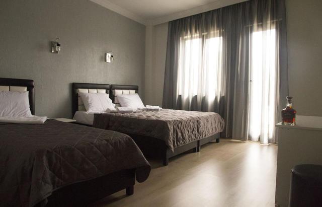 Отель Iberia Hotel,3-местный стандарт