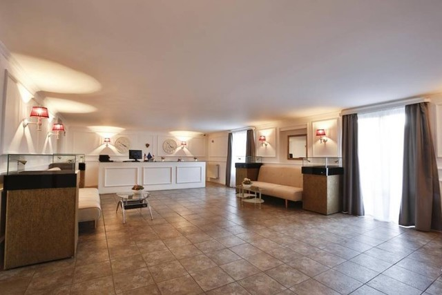 Отель Chardonnay Hotel Wine & More ,