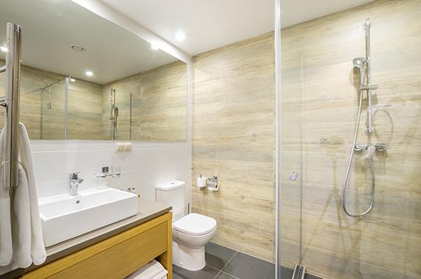Отель Green Flow,Bathroom Grand Premier & Superior