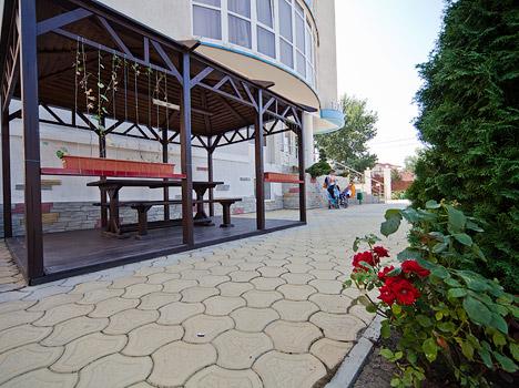 Отель Валенсия (Пионерский),Территория
