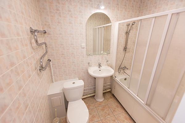 Санаторий Набережные Челны,ванная комната - номер Стандарт 1 корпус