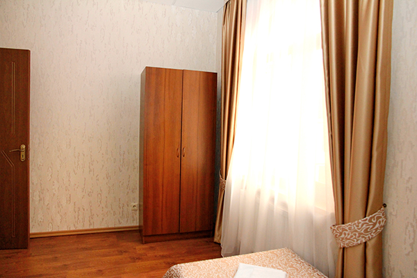 Отель Пассаж,СЕМЕЙНЫЙ 4,5,6-МЕСТНЫЙ 2-КОМНАТНЫЙ