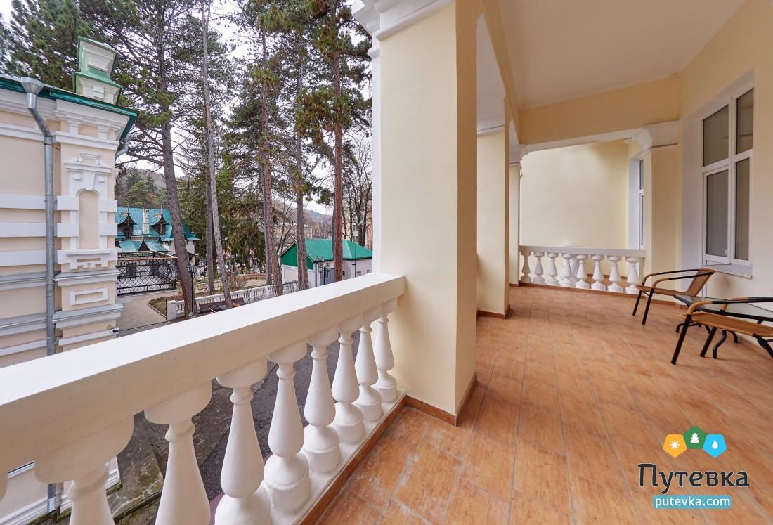 Джуниор сюит 2-местный 2-комнатный (с балконом), фото 8