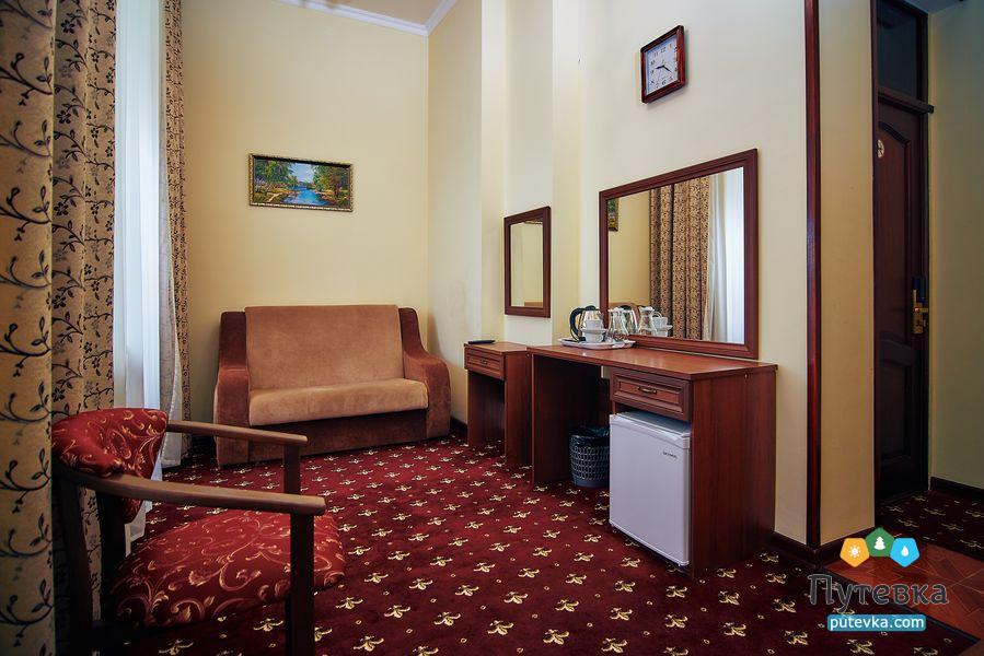 Джуниор сюит 2-местный 2-комнатный (с балконом), фото 2