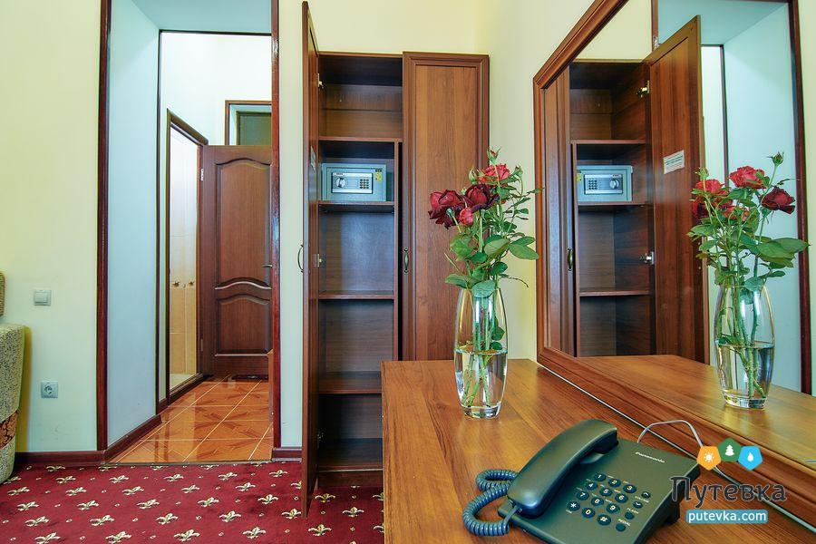 Джуниор сюит 2-местный 2-комнатный (с балконом), фото 4