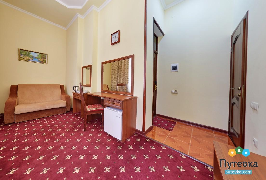 Джуниор сюит 2-местный 2-комнатный (с балконом), фото 6