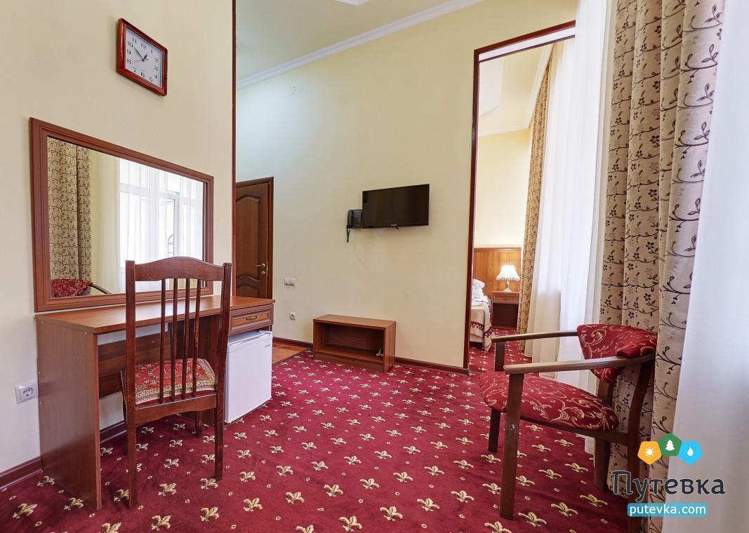Джуниор сюит 2-местный 2-комнатный (с балконом), фото 7
