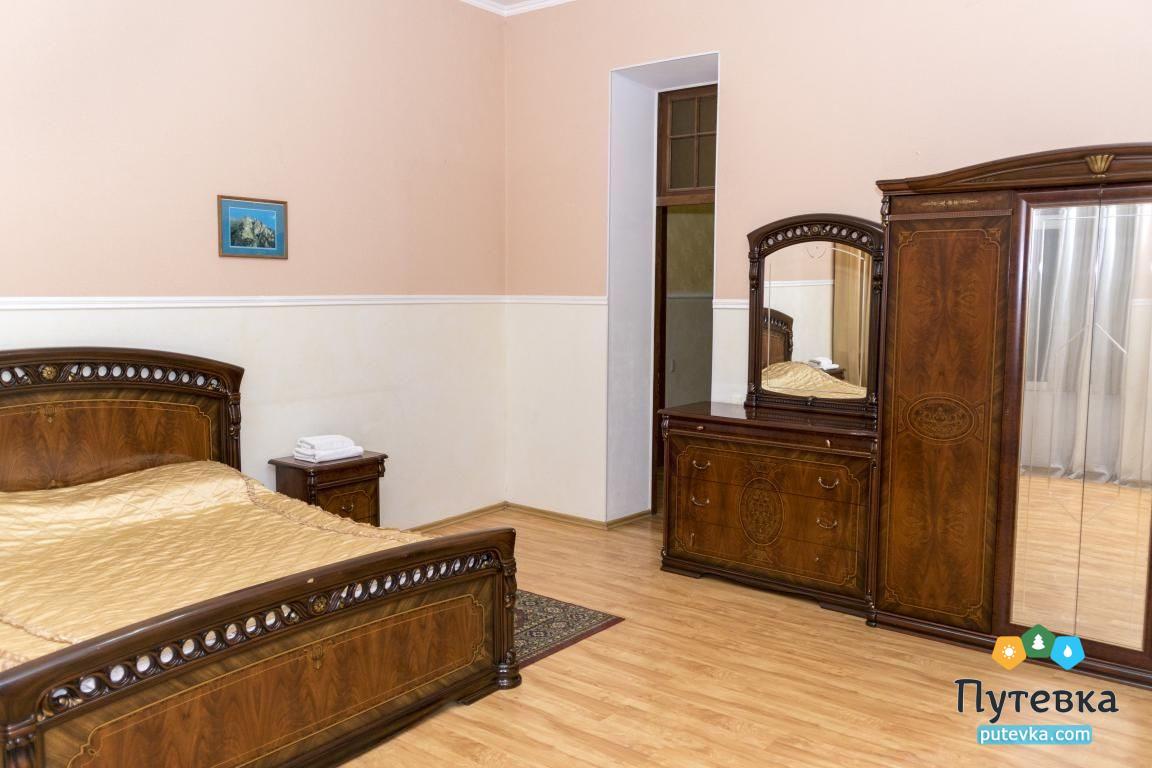 Фото номера Номер 3-комнатный с 2 спальнями и 2 балконами №29, 2