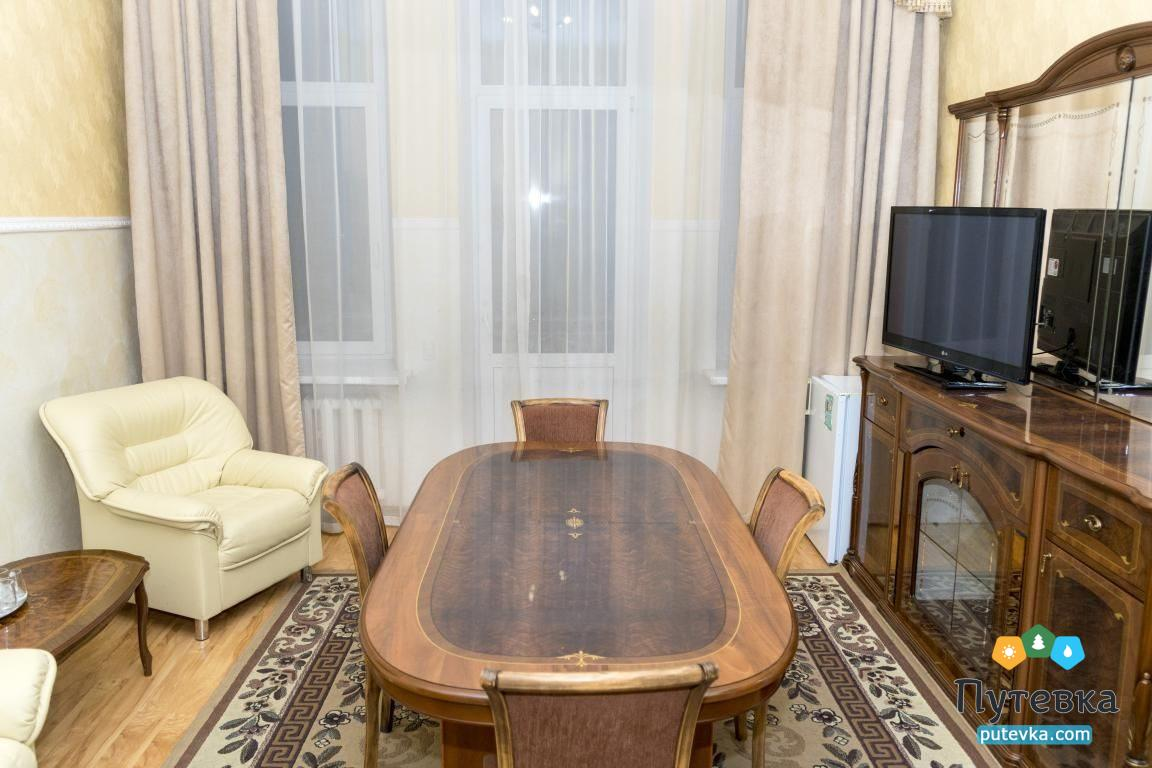 Фото номера Номер 3-комнатный с 2 спальнями и 2 балконами №29, 3