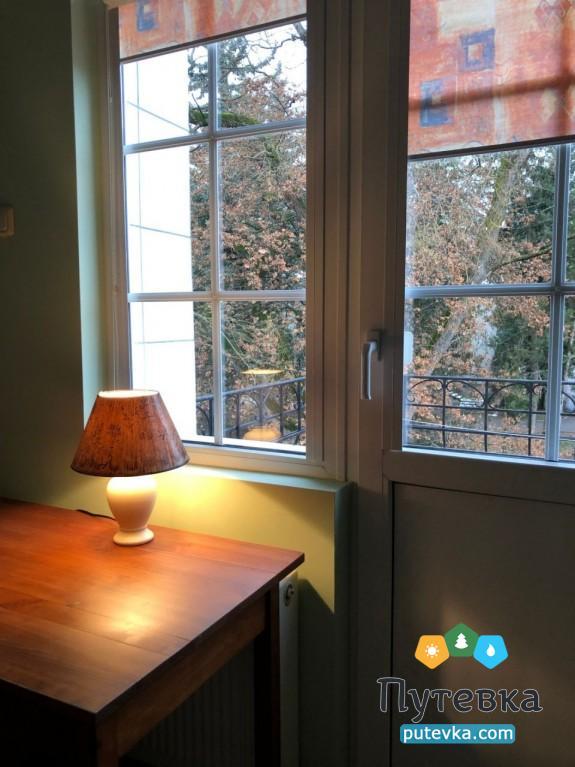 Фото номера Стандарт 2-местный (с балконом), 3