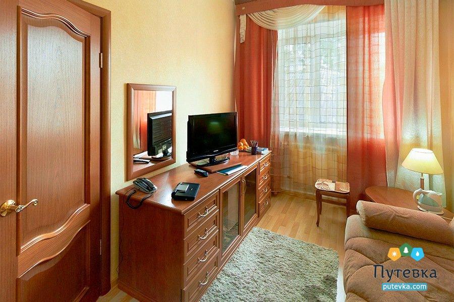 Люкс семейный 1-местный 2-комнатный, фото 1