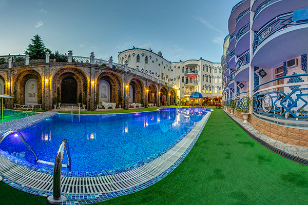 Отель 1001 ночь,Бассейн открытый