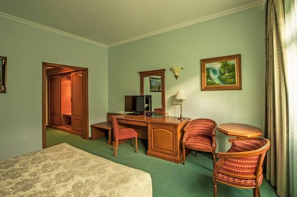 Отель Гранд отель Поляна ,Делюкс 2-местный без балкона корпус А (2)