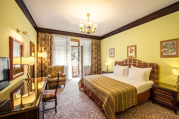 Отель Гранд отель Поляна ,Делюкс 2-местный с балконом корпус C