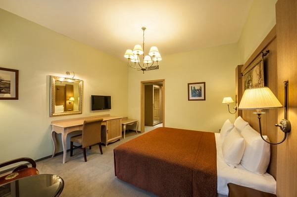 Отель Гранд отель Поляна ,Делюкс 2-местный с балконом корпус В (3)
