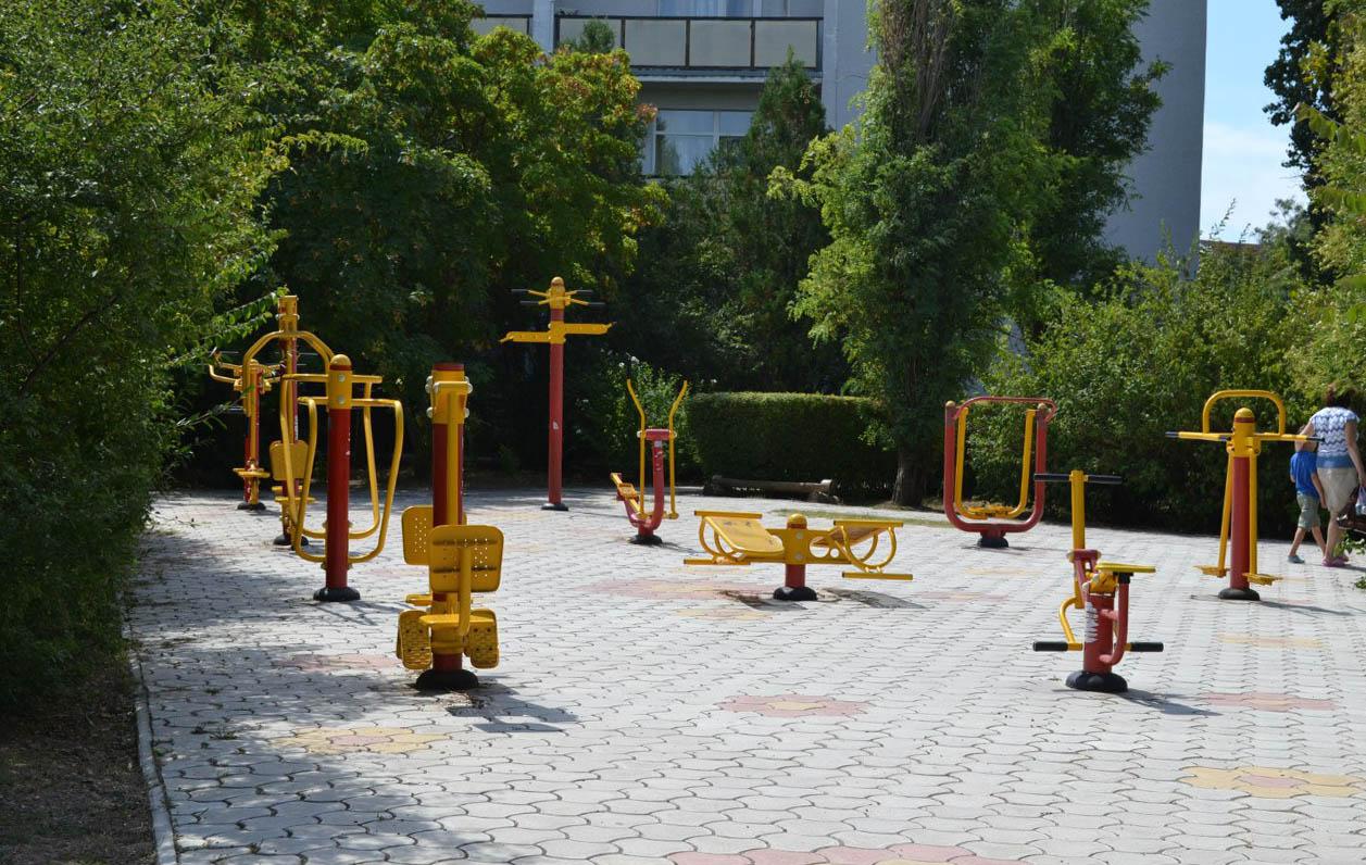 Уличные тренажеры